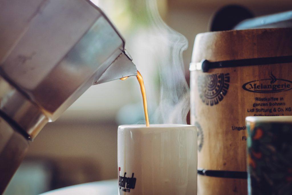 【痩せる飲み物】ダイエット中にオススメの痩せる飲み物8選、おすすめの飲み方や注意する飲み物など徹底解説、ブラックコーヒー