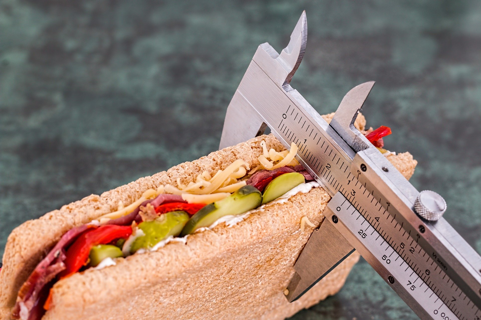 カロリー制限中のpfcバランスの理想値は?ダイエットは栄養バランスを守ろう