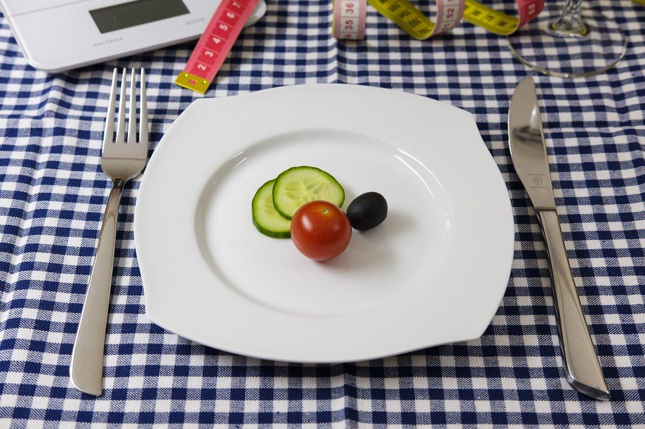 40代から始めるダイエット、オススメの食事方法や運動を紹介