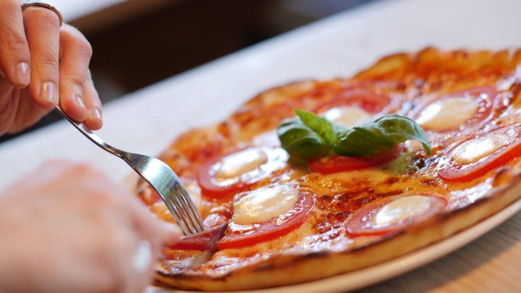 【どうして痩せれない?】太る原因・NG行動を紹介・ダイエット中や日常生活で気を付けるNGポイント14選