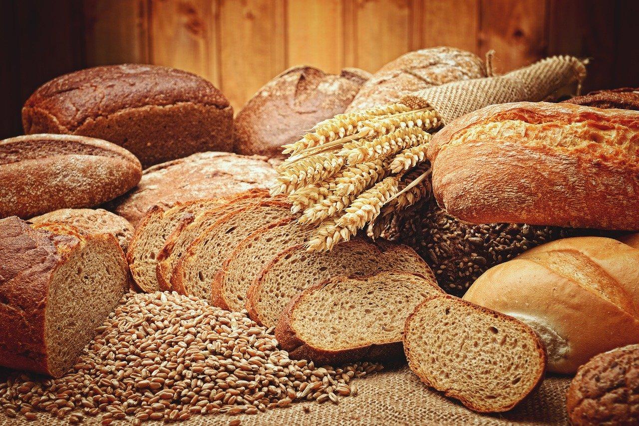 ダイエットと炭水化物の関係、適切な量や摂り方、注意事項などを紹介