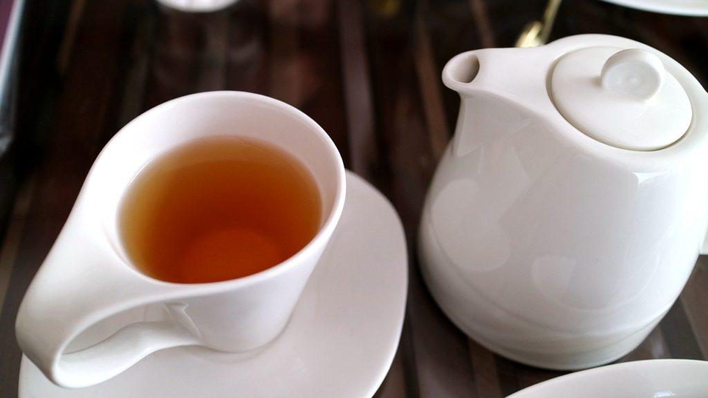 【痩せる飲み物】ダイエット中にオススメの痩せる飲み物8選、おすすめの飲み方や注意する飲み物など徹底解説、烏龍茶