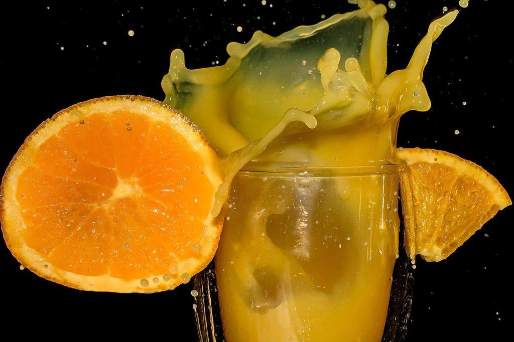 【痩せる飲み物】ダイエット中にオススメの痩せる飲み物8選、おすすめの飲み方や注意する飲み物など徹底解説、オレンジジュース