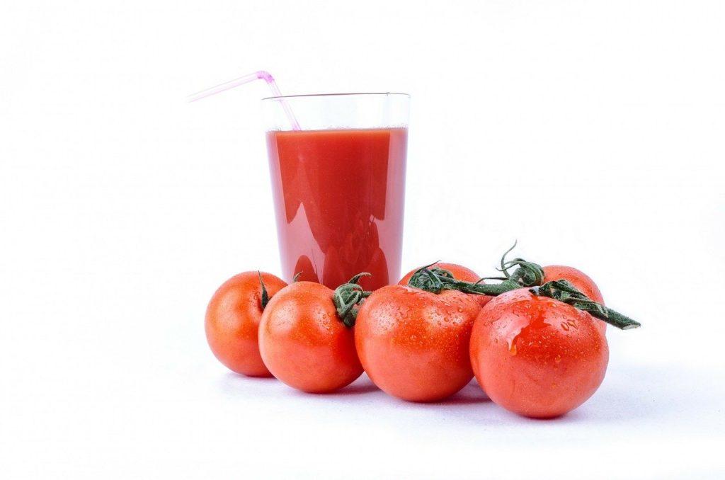 【痩せる飲み物】ダイエット中にオススメの痩せる飲み物8選、おすすめの飲み方や注意する飲み物など徹底解説、トマトジュース