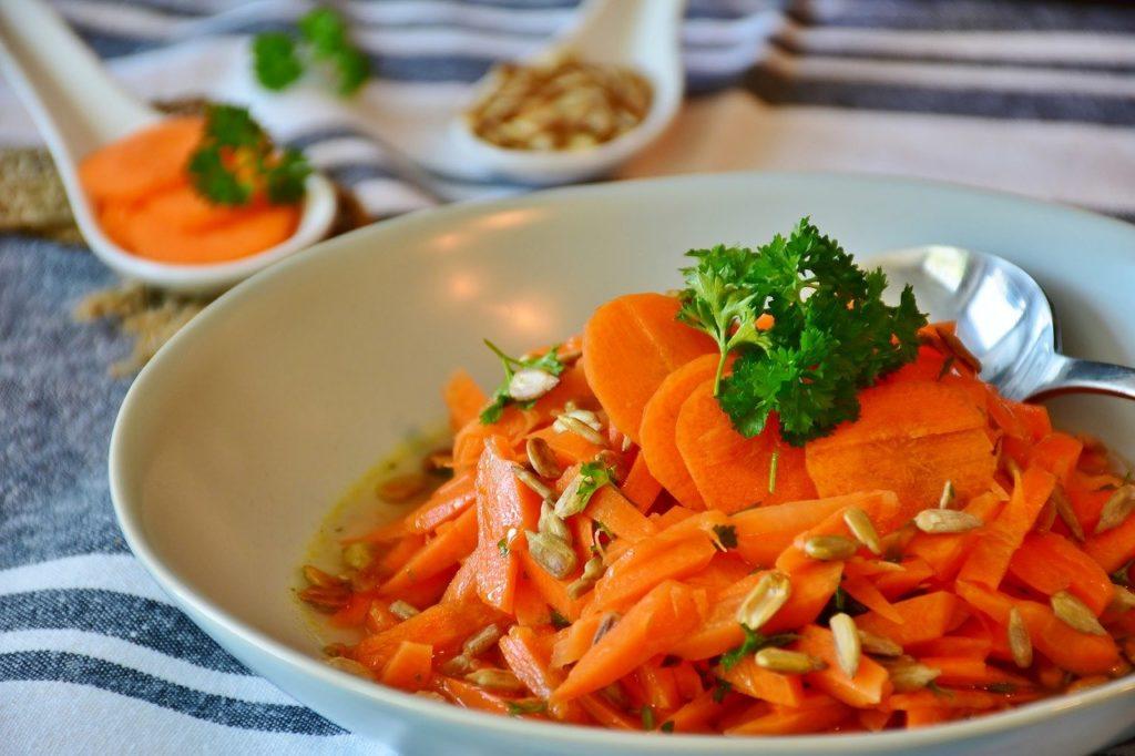 ダイエット中にオススメの炭水化物13選【白米や食パンの置き換えに最適】、人参